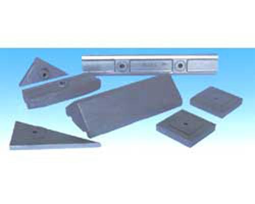 Piastre laterali e di impatto per ogni tipo di impianto.